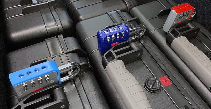 Die Koffer mit jede Menge Rätsel und Herausforderungen