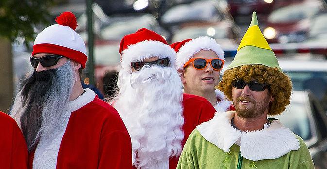 Weihnachtsmänner bei der X-MAS Rallye von GeccoTours